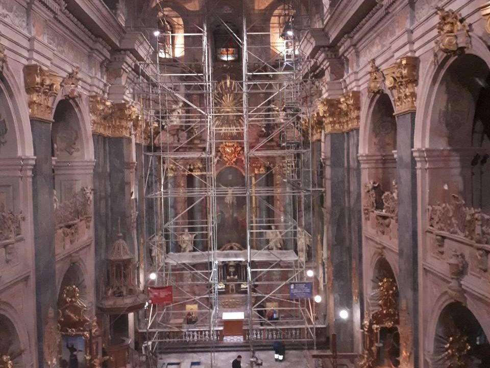 UNIQUE INSTALLATION INSTALLATION FOR RESTRUCTURING WORKS IN GARNISON TEMPLE OF APOSTLES PETER AND PAUL.